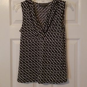 Josephine Chaus Black and White V-neck tank Small